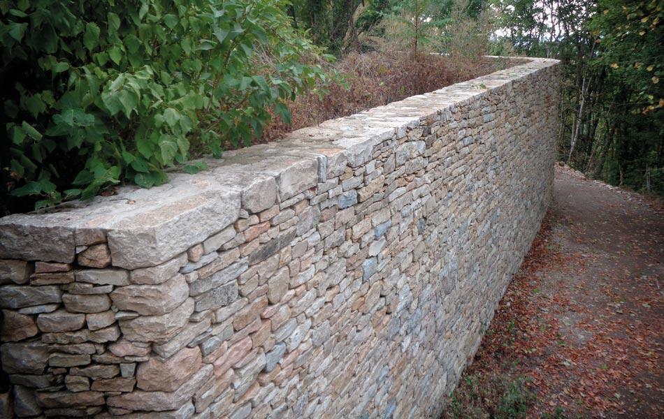 Murs de pierre à Fontaine-lès-Dijon - Association Sentiers - Dijon