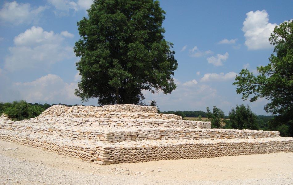 Tumulus à Meulson - Association Sentiers, Dijon, chantiers d'insertion professionnel